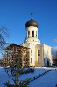 Никольский собор в сторительных лесах. Декабрь 2013 г.